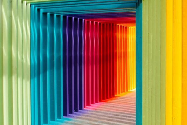 אילו סוגי צבעים יש ולאיזה חומר מתאים כל צבע?